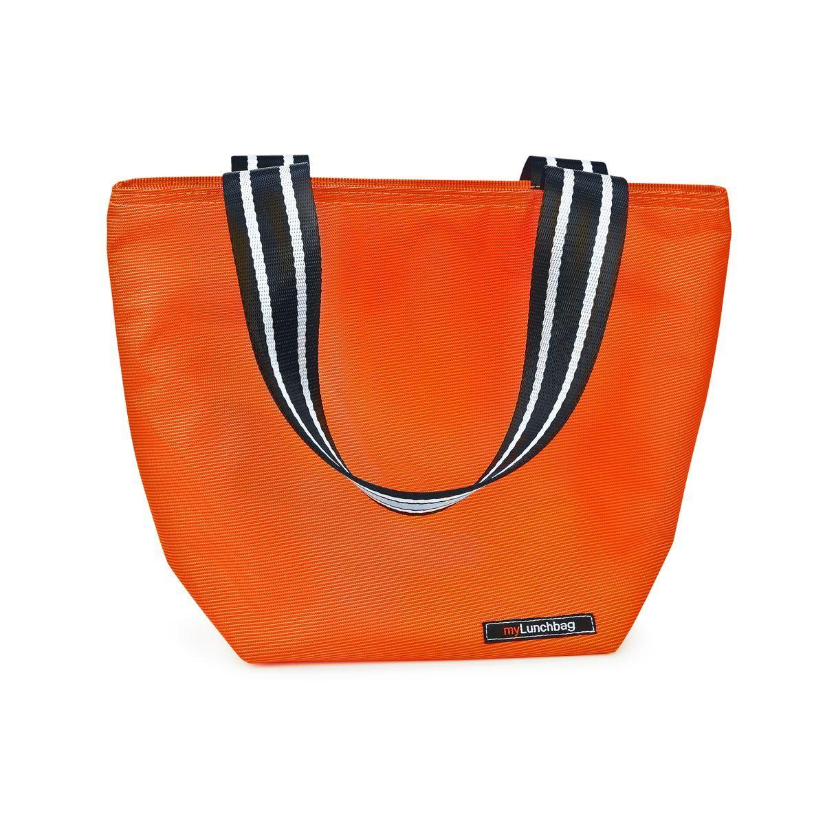 Термосумка для ланч-бокса Iris Barcelona Tote MyLunchbag, цвет: оранжевыйI9155-TXТермосумка для ланч-бокса Iris Barcelona Tote MyLunchbag выполнена из полиэстера. Она отлично сохраняет свежесть и вкус продукта на несколько часов. Очень полезна маме в уходе за детьми. Пригодится везде: на прогулке, на работе, учебе и т.д. С ней легко справится даже ребенок. Легко складывается до небольших размеров. Присутствует удобный кармашек для аксессуаров. Рекомендуется регулярно стирать вручную в теплой воде с мылом.