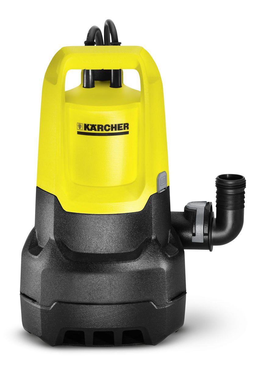 Погружной насос Karcher SP 5 Dirt1.645-503.0Погружной насос Karcher SP 5 Dirt предназначен для работы с грязной водой счастицами примесей до 20 мм. Применяется для откачки воды из садовыхпрудов и в подтопленных местах.Дополнительный фильтр предварительной очистки (опция) защищает насос отпопадания чрезмерно крупных частиц. Регулируемый по высоте поплавковыйвыключатель позволяет откачивать воду в автоматическом режиме.Керамическое контактное уплотнительное кольцо с масляной камеройзначительно продлевает срок службы насоса. Удобная функция Quick Connectпозволяет быстро подсоединять шланг диаметром 1 1/4. Датчик уровня сплавной регулировкой увеличивает гибкость в установках для автоматическоговключения/отключения насоса и предотвращает работу всухую. Удобная ручка для переноски позволяет удобно держать прибор, ее такжеможно использовать как держатель для проводов.Конструктивные особенности:- Удобная ручка для переноски - Система Quick Connect для быстрого подключения - Переключение между ручным/автоматическим режимом - Возможность зафиксировать поплавковый выключатель - Настройка высоты для комфортного использования Технические характеристики:Максимальная производительность: 9500 л/ч.Максимальное давление: 0,7 бар.Максимальная высота подачи: 7 м.Максимальный размер твердых частиц: 20 мм.Остаточный уровень воды: 25 мм.Вес без аксессуаров: 4,65 кг.Соединительная резьба: G1.