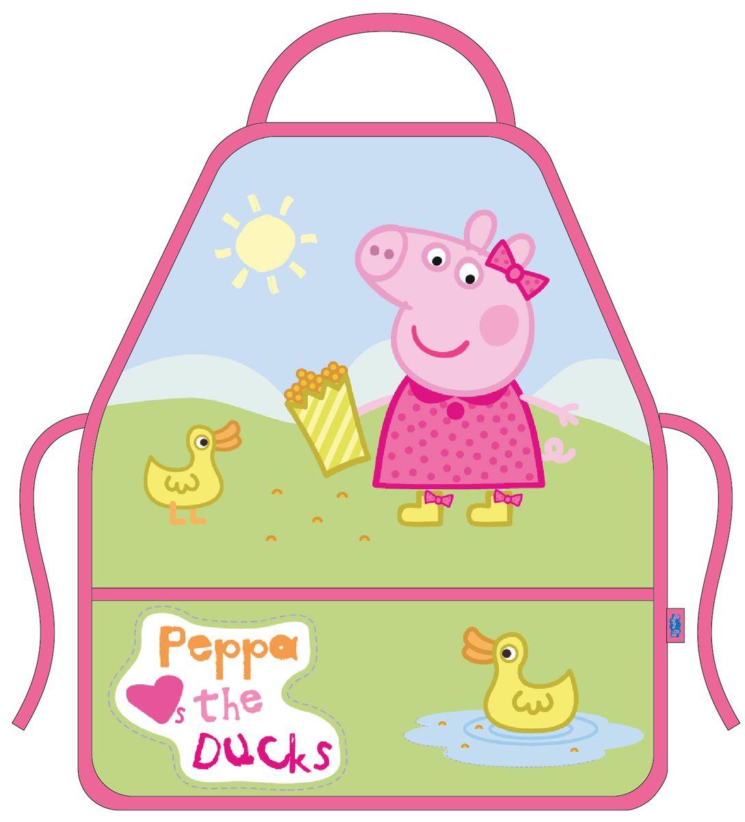 Peppa Pig Фартук для труда с нарукавниками Утка30078Красивый и удобный фартук Peppa Pig Утка поможет вашей малышке не испачкаться во время домашних хлопот, на уроках труда или изобразительного искусства, а очаровательная Свинка Пеппа будет радовать ее долгое время. Он не только защищает одежду ребенка от загрязнения, но и ярко украшает ее. Малыш сможет сам без помощи взрослых надевать и снимать этот фартук удобного покроя. Тонкие тесемочки легко завязываются вокруг талии. Спереди есть два вместительных кармана, в которые можно положить необходимые для работы предметы. Фартук изготовлен из легкостирающейся, износостойкой ткани, поэтому имеет долгий срок службы. К комплекту прилагаются два нарукавника, защищающие рукава от загрязнения.Рост: 110-128 см. Размер: 30-34.