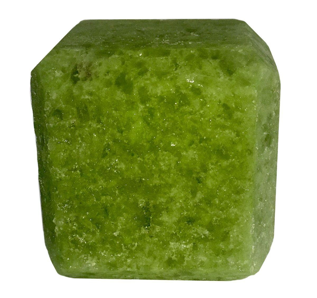 Соль для бани Proffi Sauna, с маслом кедраPS0549Прессованный кубик из соли Proffi Sauna подходит для сауны и бани. Имеет приятный аромат кедра.Заходя в бане / сауне в парилку, Вы ставите кубик из соли на камни и поливаете камень водой. В результате образуется облако соляного пара, а по всей парилке разносится приятный аромат. 1 кубик рассчитан на 1 применение.Состав: чистая природная структурированная соль, эфирное масло.