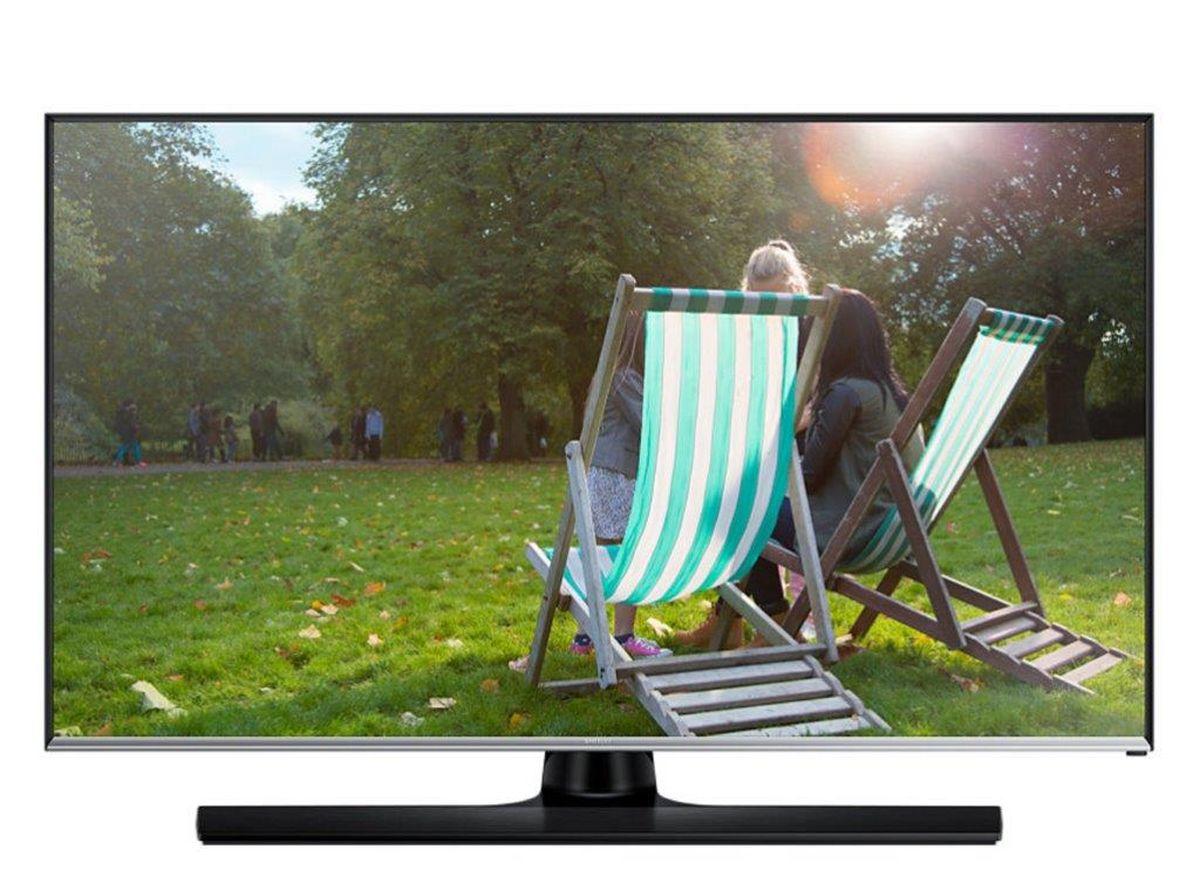Samsung T32E310 телевизорLT32E310EX/RUSamsung T32E310 - уникальное устройство, которое сочетает в себе плюсы продуктов из двух разных категорий: вы можете смотреть программы ТВ и в любой момент начать или продолжить работу за устройством как за монитором.Наблюдайте за качественной картинкой LED-телевизора Samsung T32E310 с любого угла. Данный LED-телевизор обладает широкими углами обзора, которые составляют 178/178 градусов (по горизонтали / по вертикали). Эти дополнительные 8 градусов позволяют просматривать фильмы или фотографий не жертвуя качеством.Подключите LED-телевизор к ПК и занимайтесь работой во время перерывов на рекламу вашего любимого телешоу. Теперь вам для этого не нужны ни специальный монитор, ни дополнительные кабели питания. Работа и отдых на одном экране! Просто подключите ваш съемный накопитель к вашему телевизору через USB порт. ConnectShare позволяет просматривать фото и проигрывать аудио/видео контент.Телевизор оснащен всеми основными разъемами, включая HDMI (2 порта), для подключения внешних аудио-видео устройств (игровые консоли, ноутбуки, портативные плееры и т.д.).LED-телевизор обладает дополнительным режимом Football Mode, который активируется с помощью пульта ДУ всего одним нажатием. Данный режим позволяет повысить качество изображения и звука.Необычная конструкция корпуса позволяет обойтись без дополнительного VESA кронштейна, т.к. часть подставки монитора может служить для крепления на стену.Яркость (типичное значение): 300 кд/м2Соотношение сторон экрана: 16:9Время отклика: 5 мс (G to G)Динамическая контрастность: Mega Contrast