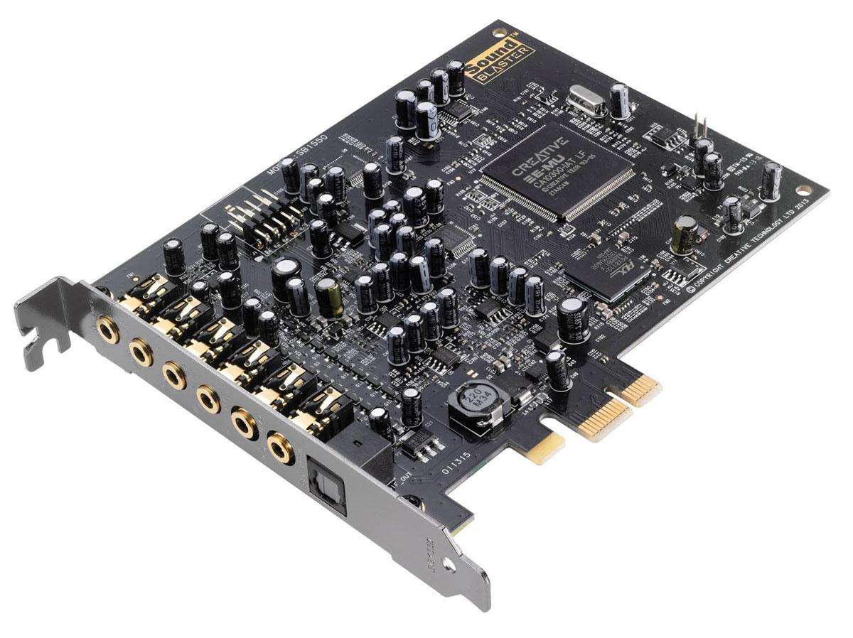 Creative Sound Blaster Audigy Rx звуковая карта70SB155000001Ощутите изумление от высококачественного подкаста и многоканального объемного звучания! Аппаратно-ускоренные эффекты EAX позволят вам с легкостью объединять множество звуковых эффектов! Кроме того, карта характеризуется низким уровнем шумов с отношением 106 дБ, наличием выхода на наушники с сопротивлением 600 Ом, что сопоставимо со студийным оборудованием, а также пакетом программного обеспечения, при помощи которого можно выполнить полную настройку параметров звучания.Sound Blaster Audigy Rx представляет собой передовую звуковую карту, которая позволяет осуществить переход со встроенной в системную плату карты на непревзойденное кинематографическое объемное звучание. Благодаря продвинутому чипсету, предназначенному для использования совместно с легендарной технологией реверберации EAX, пользователи звуковой карты Sound Blaster Audigy Rx смогут насладиться уникальным 7.1- канальным звуком. Карта также отличается низким уровнем шумов с отношением 106 дБ и поставляется с панелью управления Sound Blaster Audigy Rx — специализированным приложением для компьютера, которое предоставляет возможность полного контроля всех параметров звуковой карты.Поклонники развлекательных мероприятий будут также в восторге от приложения EAX Studio, позволяющего применять аппаратно-ускоренный эффект объемного звучания к музыке, фильмам, играм и голосу, а усилитель для студийных наушников с сопротивлением 600 Ом никого не оставит равнодушным.Звуковая карта Sound Blaster Audigy Rx построена на основе чипсета Creative E-MU, поддерживающего работу легендарной технологии реверберации EAX (Environmental Audio eXtensions) и обеспечивающего невероятные эффекты воспроизведения кинематографического звука, не перегружая при этом центральный процессор. Это позволяет достичь непревзойденного качества эффектов и звука без падения производительности компьютера.В звуковой карте имеются два микрофонных входа, благодаря чему вы можете петь одноврем