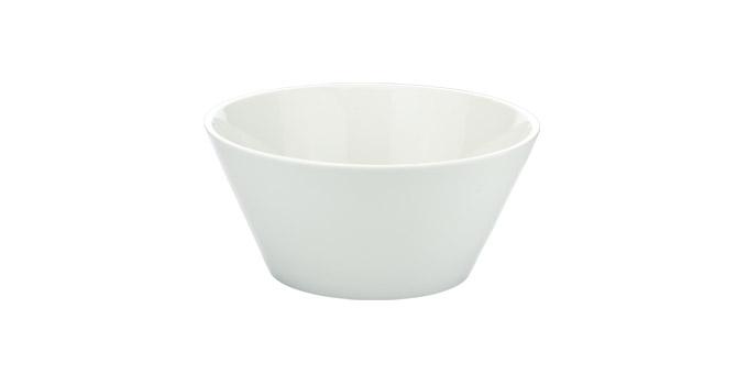 Миска Tescoma Gustito, диаметр 20см386086Миска Tescoma Gustito выполнена из высококачественного фарфора и предназначена для подачи соусов, салатов, оливок, фруктов, овощей, закусок и других блюд. Изделие сочетает в себеизысканный дизайн с максимальной функциональностью. Она прекрасно впишется в интерьер вашей кухни и станет достойным дополнением к кухонному инвентарю. Миска Tescoma подчеркнет прекрасный вкус хозяйки и станет отличным подарком. Подходит для использования в микроволновой печи и посудомоечной машине. Диаметр миски (по верхнему краю): 20 см.Высота стенки: 9 см.