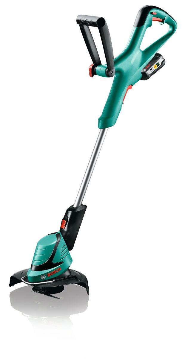 """Как сэкономить на аккумуляторном электроинструменте  Bosch """"ART 23-18 Li"""" — высококачественный аккумуляторный триммер для садоводов и   домовладельцев, которые хотят поддерживать свой участок в порядке и придать ему   ухоженный вид с минимальными затратами сил. Триммер Bosch """"ART 23-18 Li"""" — современный   садовый инструмент, отличающийся высокой производительностью скашивания без ухудшения   удобства использования. Этот триммер имеет ряд функций, в частности, долговечный   аккумулятор, управление скоростями, долговечный нож, режущий траву в любых условиях, и   функция полной регулировки, позволяющая адаптировать триммер к своим потребностям.   Благодаря интеллектуальной системе Bosch Syneon Chip аккумулятор работает дольше, то   есть, позволяет выполнять даже сложные работы.  Bosch """"ART 23-18 Li"""" —   высококачественный аккумуляторный триммер, отличающийся превосходными   характеристиками, необходимыми для получения выдающихся результатов. Триммер питается   от долговечного литий-ионного аккумулятора 18 В/2,5 А*ч, который поддерживает постоянное   выходное напряжение и держит заряд в режиме хранения дольше обычных аккумуляторов.   Легкий триммер, весящий всего 2,4 кг, оснащен ножом Durablade 23 см, который прост в   управлении и способен выдерживать даже самые сложные работы по стрижке.   Комплектация: аккумулятор PBA 18 В, емкостью 2,5 А*ч W-B (1 600 A00 5B0), компактное   быстрозарядное устройство AL 1830 CV (1 600 A00 5B3), ножи Durablade 2 шт.  Обзор технических характеристик:  - тип аккумулятора: Li-Ion,  - напряжение совместимого аккумулятора 18 В,  - время зарядки аккумулятора 1 ч,  - диаметр круга стрижки 23 см, - регулировка высоты: 80 – 115 см, - режущая система Durablade."""