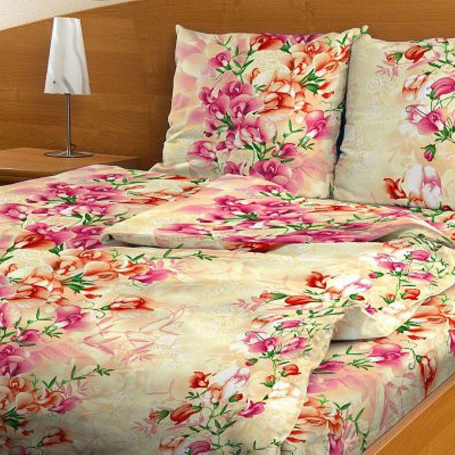 Комплект белья Letto, 1,5-спальный, наволочки 70х70. B117-3B117-3Комплект постельного белья Letto выполнен из классической российской бязи (хлопка). Комплект состоит из пододеяльника, простыни и двух наволочек.Постельное белье, оформленное ярким цветочным рисунком, имеет изысканный внешний вид. Пододеяльник снабжен молнией.Благодаря такому комплекту постельного белья вы сможете создать атмосферу роскоши и романтики в вашей спальне. Уважаемые клиенты! Обращаем ваше внимание на тот факт, что расцветка наволочек может отличаться от представленной на фото.