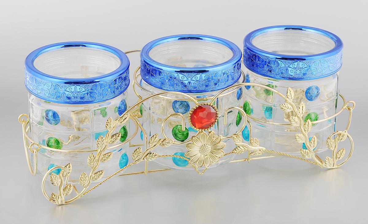 Набор банок для сыпучих продуктов Mayer & Boch, 4 предмета. 2266922669Набор Mayer & Boch состоит из трех банок для сыпучих продуктов, выполненных из прочного стекла и металлической подставки. Изделия, декорированные рельефными фрагментами, имеют цилиндрическую форму и оснащены герметичными крышками из высококачественного пластика. Такие банки прекрасно подходят для хранения сахара, соли, круп, конфет, орехов, печенья и других сыпучих продуктов. Диаметр банки (по верхнему краю): 9 см.Высота банки (с учетом крышки): 12,5 см.Размер подставки: 38 х 13 х 12 см.Объем: 700 мл.