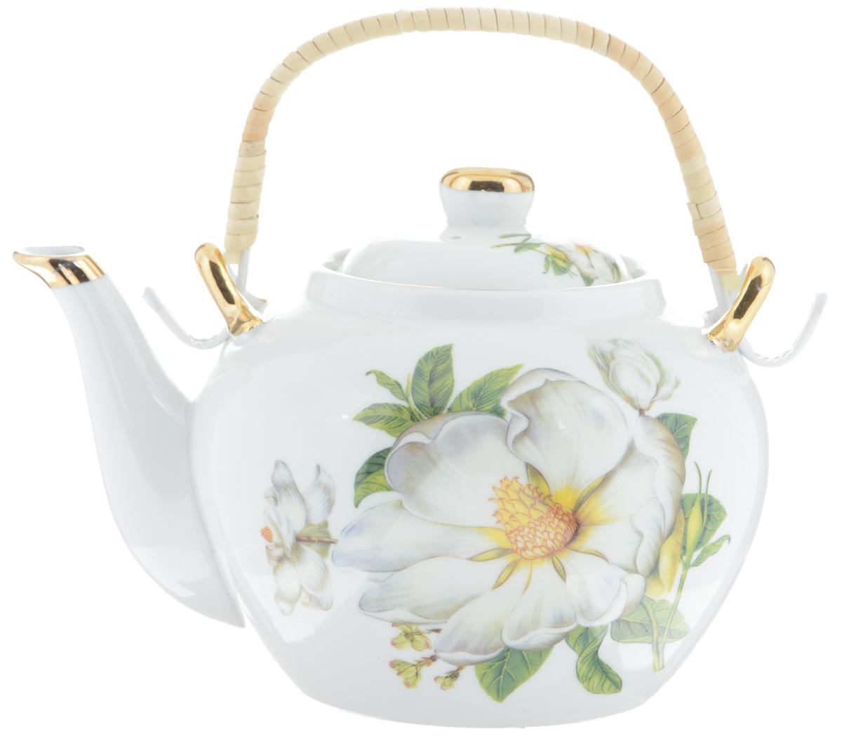 Чайник заварочный Loraine, с фильтром, 1 л. 2113321133Заварочный чайник Loraine изготовлен из высококачественной керамики и дополненметаллическим фильтром. Он имеет изящную форму и декорирован нежным цветочным рисунком.Чайник сочетает в себе стильный дизайн с максимальной функциональностью. Красочностьоформления придется по вкусу и ценителям классики, и тем, кто предпочитает утонченность иизысканность.Чайник упакован в подарочную коробку из плотного картона. Внутренняя часть коробкизадрапирована атласом, и чайник надежно крепится в определенном положении благодаряособым выемкам в коробке.Высота чайника (без учета ручки и крышки ): 12 см.Диаметр (по верхнему краю): 8,5 см.Высота чайника (с учетом ручки и крышки): 21 см.