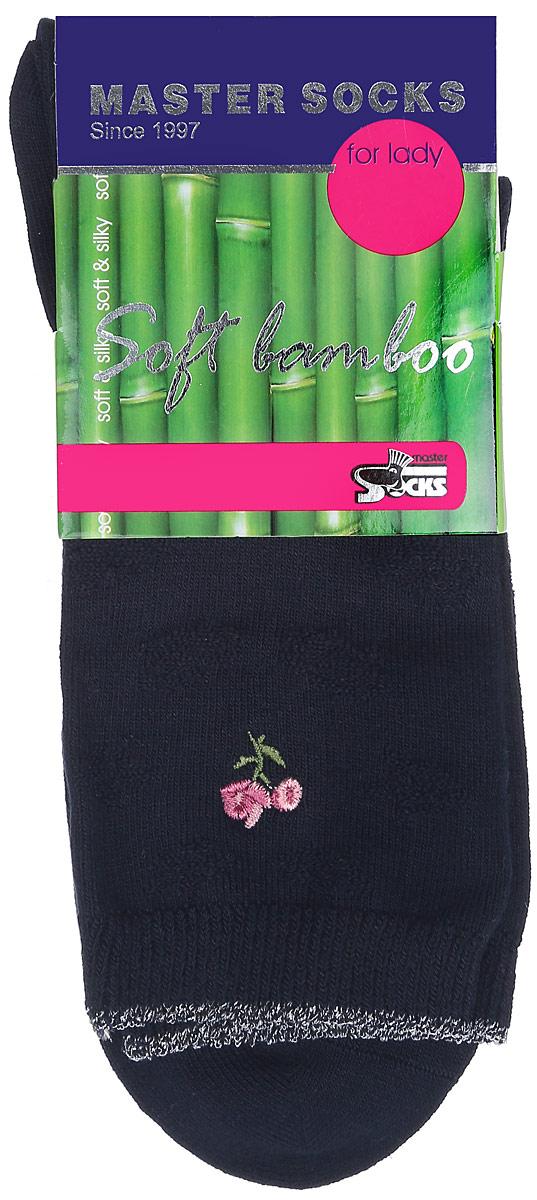 Носки женские Master Socks, цвет: темно-синий. 85608. Размер 2385608Удобные носки Master Socks, изготовленные из высококачественного комбинированного материала, очень мягкие и приятные на ощупь, позволяют коже дышать.Эластичная резинка плотно облегает ногу, не сдавливая ее, обеспечивая комфорт и удобство. Носки дополнены полупрозрачным орнаментом и оформлены вышивкой в виде цветка.Практичные и комфортные носки великолепно подойдут к любой вашей обуви.