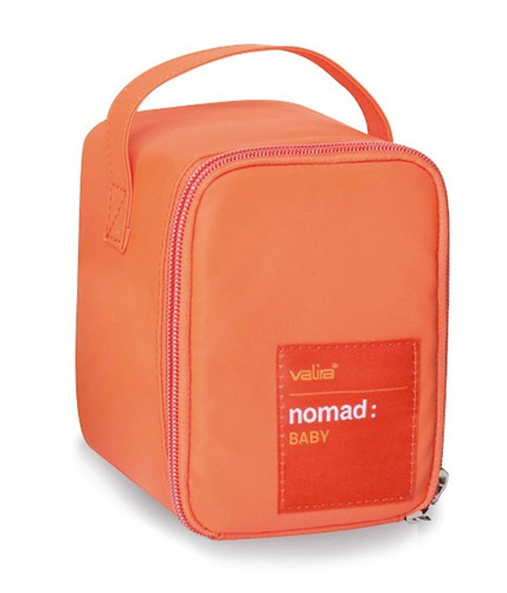 Сумка Valira, с контейнером, цвет: оранжевый, 0,4 л6031/149Удобная детская термосумка, в состав которой входит контейнер объемом 0,4л. Сохраняет температуру содержимого до 6 часов. Подходит для ежедневного использования дома, в школе, на секциях и т.д.Внешний материал гигиеничный и непромокаемый. Внутренний материал предназначен длялегкого и удобного ухода за сумкой. Имеет боковую ручку для удобства переноски. Есть специальный кармашек для столовых приборов.Контейнер (0,4л), входящий в набор, изготовлен из керамического пластика, 100% герметичен и водонепроницаемы, с удобными защёлками и надёжной изолирующей прокладкой. Контейнер можно использовать для разогревания пищи в микроволновой печи.