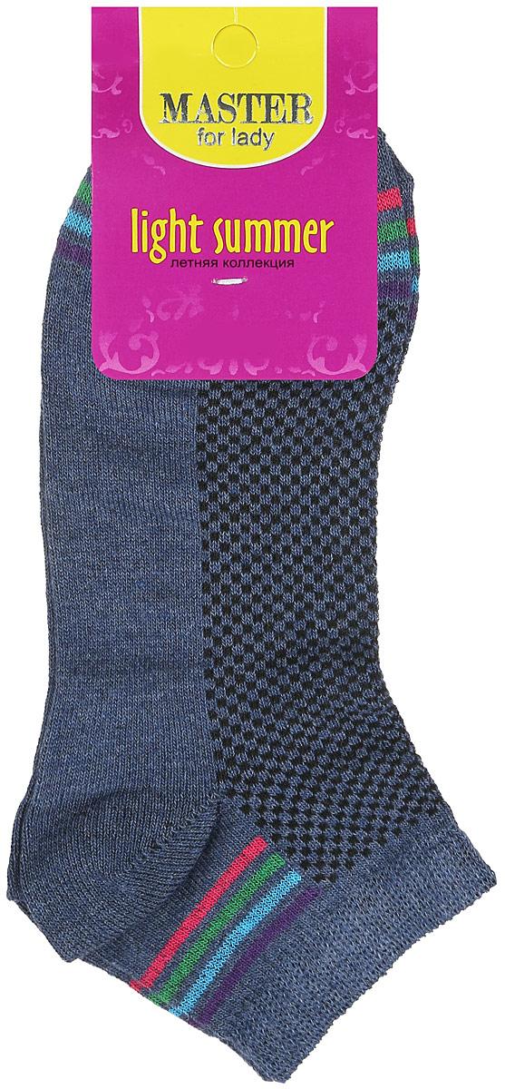 Носки женские Master Socks, цвет: темно-серый. 55054. Размер 2555054Удобные носки Master Socks, изготовленные из высококачественного комбинированного материала, очень мягкие и приятные на ощупь, позволяют коже дышать. Эластичная резинка плотно облегает ногу, не сдавливая ее, обеспечивая комфорт и удобство. Носки с укороченным паголенком оформлены яркими полосками в нижней и верхней частях носка. Удобные и комфортные носки великолепно подойдут к любой вашей обуви.