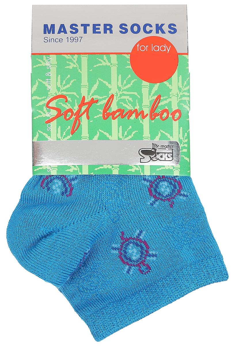 Носки женские Master Socks, цвет: лазурь. 85605. Размер 2585605Удобные укороченные носки Master Socks, изготовленные из высококачественного комбинированного материала, очень мягкие и приятные на ощупь, позволяют коже дышать.Эластичная резинка плотно облегает ногу, не сдавливая ее, обеспечивая комфорт и удобство. Носки дополнены полупрозрачным орнаментом с изображением черепахи.Практичные и комфортные носки великолепно подойдут к любой вашей обуви.