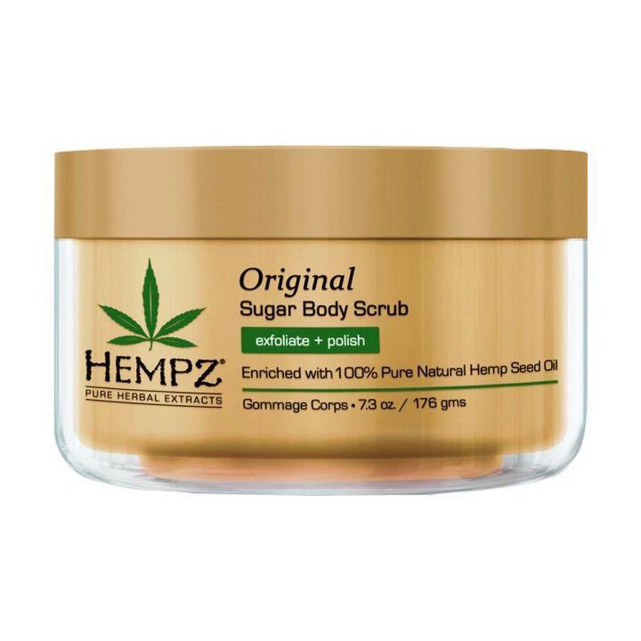 Hempz Скраб для тела Оригинальный Original Herbal Sugar Body Scrub 176 г110-2137-03Измельченные частицы и микрогранулы семян конопли, арахиса и грецкого ореха деликатно отшелушивают и придают гладкость коже, не нарушая гидро-липидный баланс. Масло и экстракт семян конопли мгновенно увлажняют, питают и восстанавливают естественный гидро-баланс кожи. Экстракты сандалового дерева и красного яблока смягчают и освежают кожу. Веган