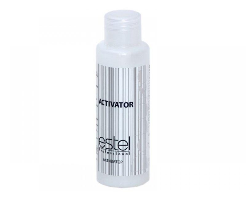 Estel Активатор De Luxe 1,5%, 60 млLA/60Активатор De Luxe от Estel применяется в сочетании с красками из аналогичной линии DE LUXE. Главное то, что активатор Estel DE LUXE не только позволяет достичь равномерного окрашивания волос, но и оказывает ухаживающее действие на локоны, предотвращая воздействие химических компонентов краски на волосы. При смешивании с крем-красками создает удобную и легкую консистенцию для нанесения непосредственно на локоны. Щадящие компоненты активатора позволяют уберечь кожу головы от попадания красящих компонентов средства. Натуральные компоненты средства предотвращают воздействию на волосы химического компонента краски – аммиака, а также обеспечивают бережный уход за волосами в процессе покраски. После использования для окрашивания активатора Estel DE LUXE вы заметите удовлетворительный результат – насыщенный и равномерный оттенок и невероятное состояние самых локонов!Объем: 60 мл