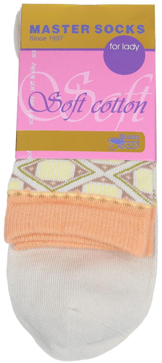 Носки женские Master Socks Soft Cotton, цвет: бежевый. 85010. Размер 2385010Удобные носки Master Socks, изготовленные из высококачественного комбинированного материала, очень мягкие и приятные на ощупь, позволяют коже дышать.Эластичная резинка плотно облегает ногу, не сдавливая ее, обеспечивая комфорт и удобство. Модель с стандартным паголенком оформлена оригинальным принтом.Удобные и комфортные носки великолепно подойдут к любой вашей обуви.