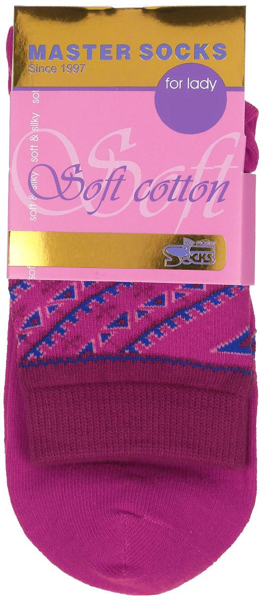 Носки женские Master Socks, цвет: фуксия. 85010. Размер 2385010Удобные носки Master Socks, изготовленные из высококачественного комбинированного материала, очень мягкие и приятные на ощупь, позволяют коже дышать.Эластичная резинка плотно облегает ногу, не сдавливая ее, обеспечивая комфорт и удобство. Модель с стандартным паголенком оформлена оригинальным принтом.Удобные и комфортные носки великолепно подойдут к любой вашей обуви.