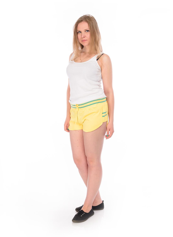 Шорты женские RAV, цвет: желтый. RAV04-004. Размер М (46)RAV04-004Стильные женские шорты RAV изготовлены из натурального хлопка.Шорты стандартной посадки имеют эластичный пояс, дополненный шнурком. По бокам модель дополнена трикотажными вставками.