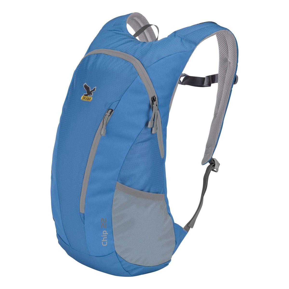 Рюкзак городской Salewa Chip 22, цвет: синий, 22 л. 1130_84901130_8490Стильный городской рюкзак Salewa Chip 22 выполнен из полиэстера. Изделие имеет одно основное отделение, которое закрывается на застежку-молнию. Внутри расположен накладной карман для небольшого ноутбука. Снаружи, на передней стенке находится прорезной карман на застежке-молнии, в который рюкзак компактно складывается. По бокам расположены сетчатые карманы на эластичных резинках.Рюкзак оснащен широкими регулирующими лямками и удобной ручкой для переноски в руках. Лямки дополнены регулируемым грудным ремнем. Спинка и внутренняя сторона лямок оснащена сетчатыми вставками, которые обеспечивают воздухопроницаемость и комфорт во время носки. Компактный городской рюкзак идеально подойдет для повседневного использования и активного досуга.