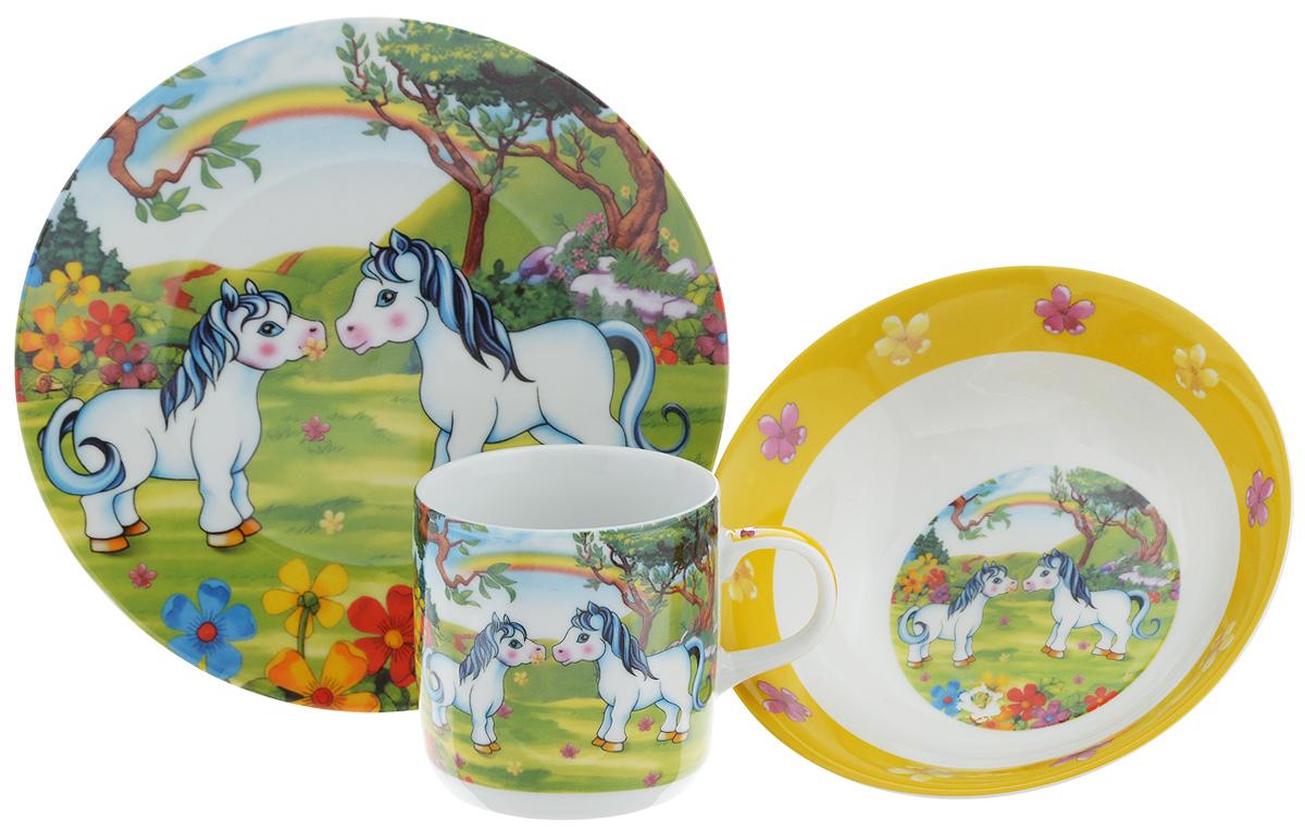 Набор детской посуды Loraine Пони, 3 предмета23391Набор детской посуды Loraine Пони включает суповую тарелку, обеденную тарелку и кружку. Изделия выполнены из высококачественной керамики, декорированы красочным рисунком. Такой набор обязательно понравится вашему ребенку, потому что теперь у него будет своя собственная посуда с ярким и оригинальным детским рисунком.Объем кружки: 230 мл.Диаметр кружки (по верхнему краю): 7,5 см.Высота кружки: 7,5 см.Диаметр суповой тарелки: 15 см.Высота стенки суповой тарелки: 5 см.Диаметр обеденной тарелки: 18 см.