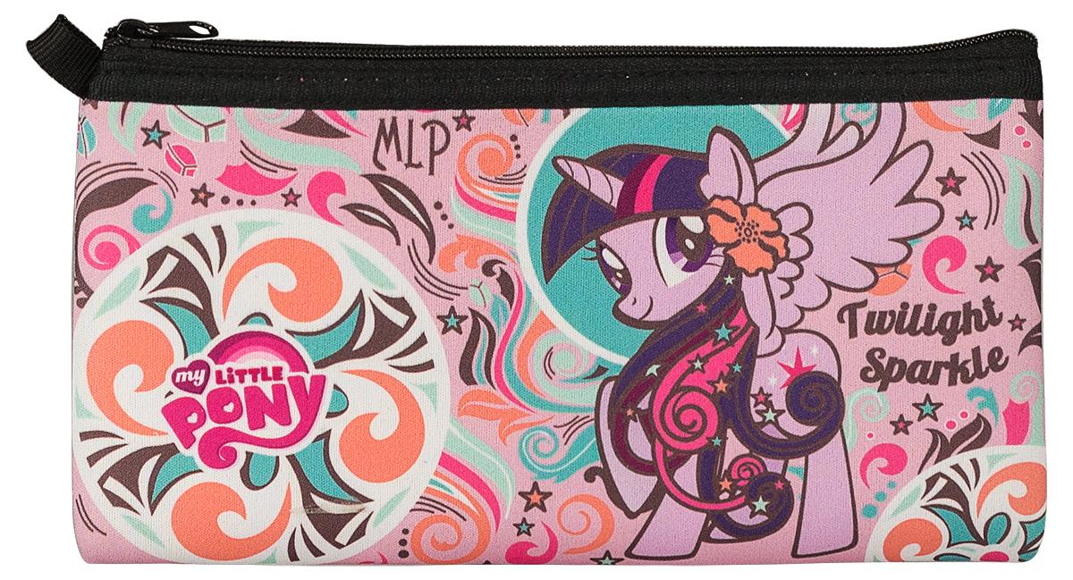 My Little Pony Пенал My Little PonyMPDB-MT1-049NПенал с одним отделением на молнии My Little Pony, выполнен из неопрена. Размер: 11 х 20,5 см.