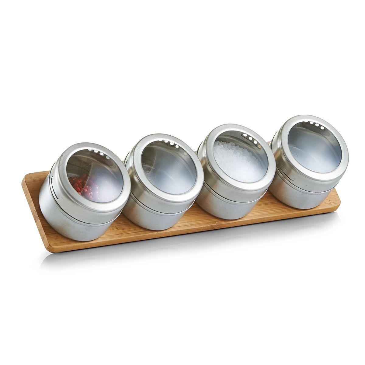 Набор для специй Zeller, на подставке, 5 предметов, 28 х 6,8 х 6 смH572720Набор Zeller состоит из четырех баночек для специй и подставки. Баночки выполнены из нержавеющей стали, оснащены закручивающимися металлическими крышками. Подставка из дерева. Набор для специй стильно оформит интерьер кухни и станет незаменимым при приготовлении пищи. Компактный, он не занимает много места.