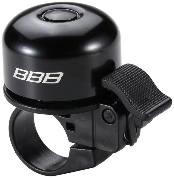 Звонок BBB Loud & Clear, цвет: матовый черный. BBB-11BBB-11Уникальная пружинная система придает звонку BBB Loud & Clear исключительную громкость. Прочная облегченная конструкция оснащена пружиной из нержавеющей стали. Винтовой хомут позволяет крепить звонок как на рули 25,4 мм, так и 31,8 мм.