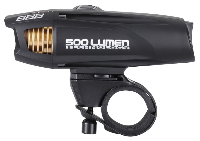 """Набор BBB """"ComboStrike"""" включает в себя фару Strike 300 (BLS-71) и задний габарит Signal (BLS-82).  Легкая и компактная фара заряжается при помощи USB. Оснащена мощным светодиодом XML CREE LED со световым потоком 300 Лм.  Сменный встроенный аккумулятор EnergyBar (BLS-93) быстро и просто заряжается от USB. Система охлаждения с радиатором Airflow Cooling  System (ACS) обеспечивает долгую работу. Фара имеет 5 режимов: супер яркий, яркий, стандартный, экономичный и мигающий. Корпус  водонепроницаем. Прорезиненная влагозащищенная кнопка включения. Фара имеет многофункциональный индикатор заряда: аккумулятор  разряжен(красный), фонарь включен(синий) и заряжается (мигает синим). Она просто устанавливается на крепеж с регулируемым углом наклона  TightFix на рули любого диаметра (стандартный и оверсайз). Может быть установлена на шлем с помощью специального крепления.  Высококачественный литий-ионный аккумулятор Samsung (2600 мАч, 3,7В) выдерживает более 400 циклов заряда без заметной потери  характеристик. Ориентировочное время зарядки составляет 4 часа. Есть защита от короткого замыкания, глубокого разряда и чрезмерной  зарядки. Размер фары: 112 х 35 х 40 мм. Легкий и компактный задний габарит также заряжается при помощи USB. Фонарь оснащен мощным светодиодом COB LED (Chips On  Board). В верхней части расположен индикатор заряда батареи. Прорезиненная влагозащищенная кнопка включения обеспечивает отличную  обратную связь. Фонарь экономичный, имеет продолжительное время свечения от аккумулятора. Просто устанавливается на крепеж с  регулируемым углом наклона StrapMount на рули любого диаметра (стандартный и оверсайз). 4 режима: слабый свет, яркий свет, стробоскоп и  мигающий. Ориентировочное время зарядки составляет 2,5 часа. Есть защита от короткого замыкания, глубокого разряда и чрезмерной зарядки.  Фонарь имеет высококачественный литий-ионный аккумулятор (300 мАч 3,7В). Выдерживает более 300 циклов заряда без заметной потери  характеристик."""