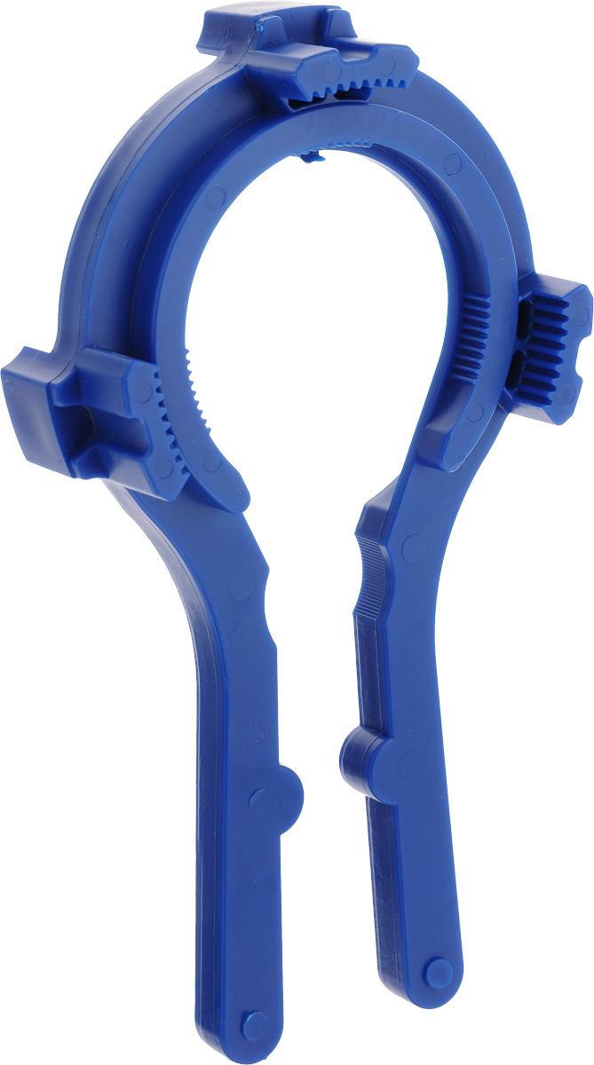 """Ключ для крышек твист-офф """"Лось"""" подходит для открывания и закрывания банок с крышками твист-офф диаметром 66, 82, 89 и 100 мм и бутылок с пластиковыми пробками.  С помощью этого приспособления открывать банки с закручивающимися крышками можно одним движением руки. Достаточно плотно закрепить этот ключ на банке, сжать ручки и повернуть его по часовой стрелке. При этом вы можете быть уверены, что не повредите стеклянную банку и не испортите крышку. При помощи ключа вы легко сможете плотно закрывать банки с вареньем или соленьями, а значит, продукты дольше сохранят свою свежесть. Диаметр захвата от 7 см до 9,5 см.  Спелые помидоры, сочные огурцы и перцы или сладкий джем и ароматное варенье - лучшие источники витаминов в холодное время года!"""