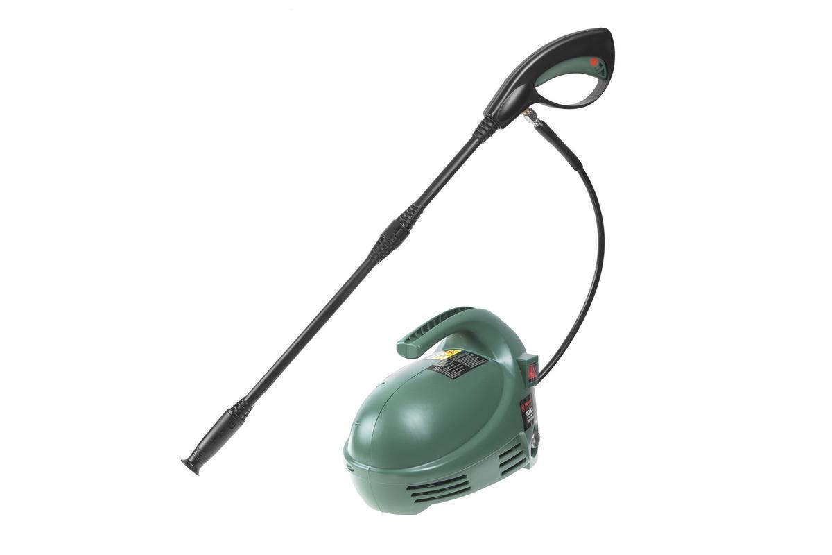 Мойка высокого давления Hammer Flex MVD1300A283278Портативная мойка высокого давления, с увеличенной рабочей зоной, за счет длинного 5 метрового шланга.Мойка оснащена всем необходимым для качественной очистки:Пеногенератором ,Пистолетом с регулировкой факела распыления и переключателем пена/ вода,Держателем для хранения пистолета на корпусеСамовсасывающий механизм – позволяет работать при отсутствии напора воды, например, при заборе из водоема. Комплектация: + Пеногенератор; + Водяной фильтр;+ Съемное пистолетное копье;+ Пистолет моечный; + Шланг.