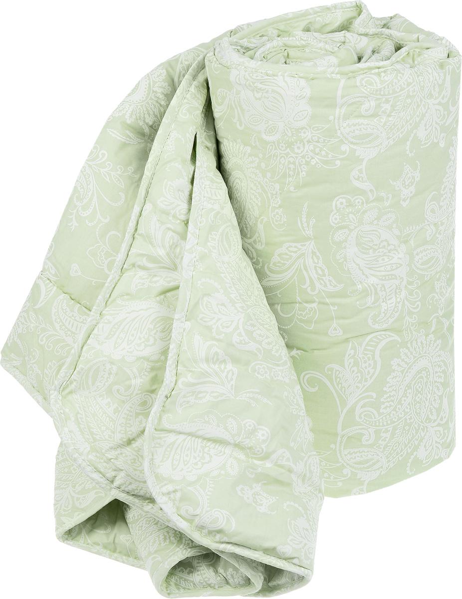 """Одеяло Classic by Togas """"Эвкалипт-Натурэль"""" подарит вам спокойный и комфортный сон. Чехол изделия выполнен из смесового хлопка (50% хлопок, 50% полиэстер), декорированного изысканным узором. Наполнитель чехла - эвкалиптовое волокно (60%) с добавлением полиэфира (40%). Одеяло имеет классический крой, скругленные края, изысканный внешний вид, а фигурная стежка не позволяет наполнителю скатываться.  Эвкалиптовое волокно - это уникальный по своим свойствам материал. Он обеспечивает хорошую терморегуляцию, обладает воздухонепроницаемостью и гигроскопичностью, он ультрамягкий, натуральный и долговечный. Изделия с эвкалиптовым наполнителем очень мягкие, дарят свежесть, снимают усталость, восстанавливают энергетический баланс человека. Кроме того, эвкалиптовое волокно не создает благоприятной среды для развития патогенной микрофлоры, поэтому в нем не размножаются микробы и бактерии. Это свойство хорошо влияет на здоровье и самочувствие людей.  В состав наполнителя добавлено полиэфирное волокно, которое не впитывает посторонних запахов и легко стирается. Изделия с таким наполнителем быстро высыхают и надолго сохраняют объем и форму, причем это свойство не теряется даже после многочисленных стирок.   Уважаемые клиенты! Обращаем ваше внимание на цветовой ассортимент товара. Поставка осуществляется в зависимости от наличия на складе."""