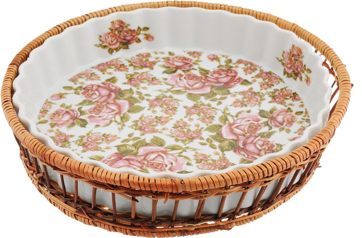 Форма для запекания Mayer & Boch Розы, с корзиной, 29,5 см24807Форма для запекания Mayer & Boch Розы, выполненная извысококачественного фарфора белого цвета, оформленакрасочным изображением цветов. Изделие имеетглазурованное покрытие, которое защищает поверхность отистирания и облегчает чистку.Плетеная корзина из ротанга, в которую вставляется форма,послужит красивой и оригинальной подставкой. Фарфоровая посуда выдерживает высокие перепадытемпературы, поэтому ее можно использовать в духовке,микроволновой печи, а также для хранения пищи вхолодильнике. Можно мыть в посудомоечной машине.Форма для запекания Mayer & Boch Розы прекрасноподойдет для запекания овощей, мяса и других блюд, аоригинальный дизайн и яркое оформление украсят вашобеденный или праздничный стол.Диаметр формы (по верхнему краю): 29,5 см. Высота формы: 5 см. Диаметр корзины (по верхнему краю): 32 см. Высота корзины: 7 см.