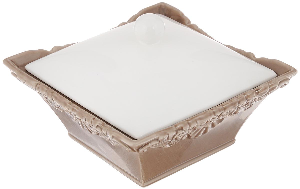 Емкость для хранения Patricia Брауни, с крышкой, 410 млIM18-0104Универсальная емкость Patricia Брауни, изготовленная из высококачественного фаянса, оснащена крышкой. Изделие подойдет хранения сахара, соли, меда, варенья, специй, орехов и многого другого. Такая емкость украсит сервировку стола, а также станет полезным приобретением и пригодится на любой кухне. Запрещено использовать в микроволновой печи и мыть в посудомоечной машине. Размер емкости (по верхнему краю): 15 х 15 см. Внутренний размер емкости: 10,5 х 10,5 см. Высота емкости (без учета крышки): 6,5 см.
