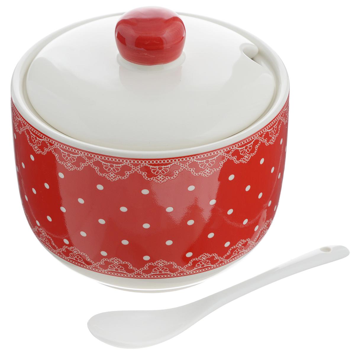 Сахарница Loraine, с ложкой, 520 мл. 2581525815Сахарница Loraine с крышкой и ложкой изготовлена из доломита и украшена ярким узором. Емкость универсальна, подойдет не только для хранения сахара, но и для меда или специй. Вкрышке предусмотрено отверстие для ложки.Можно мыть в посудомоечной машине. Диаметр сахарницы (по верхнему краю): 11 см.Диаметр основания: 7,5 см.Высота сахарницы (без учета крышки): 8,5 см.Высота сахарницы (с учетом крышки): 11,5 см.Объем сахарницы: 520 мл.Длина ложки: 12,7 см.