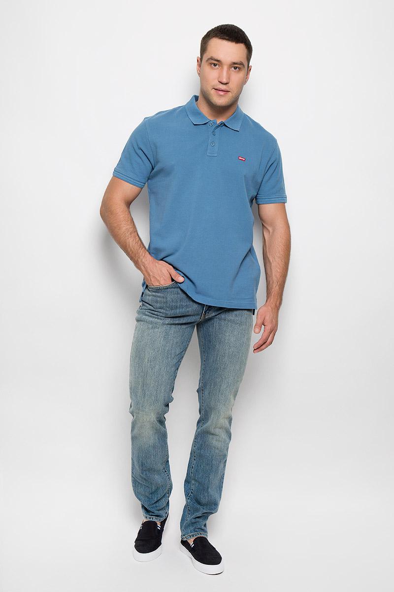 Джинсы мужские Levis® 511, цвет: синий. 451118790. Размер 31-34 (46/48-34)451118790Мужские джинсы Levis® 511 выполнены из плотного денима. Ткань с добавлением эластана обеспечивает наилучшую посадку и сохранение формы, она тактильно приятная, хорошо пропускает воздух.Джинсы с заниженной талией застегиваются на металлическую пуговицу и имеют ширинку на застежке-молнии. Современный облегающий силуэт не стесняет движений. На поясе предусмотрены шлевки для ремня. Спереди расположены два втачных кармана и один маленький накладной, а сзади - два накладных кармана. Изделие оформлено эффектом потертости, украшено металлическими клепками и прострочкой.Отличное качество, дизайн и расцветка делают эти джинсы стильным и модным предметом мужской одежды. Такие джинсы займут достойное место в вашем гардеробе!