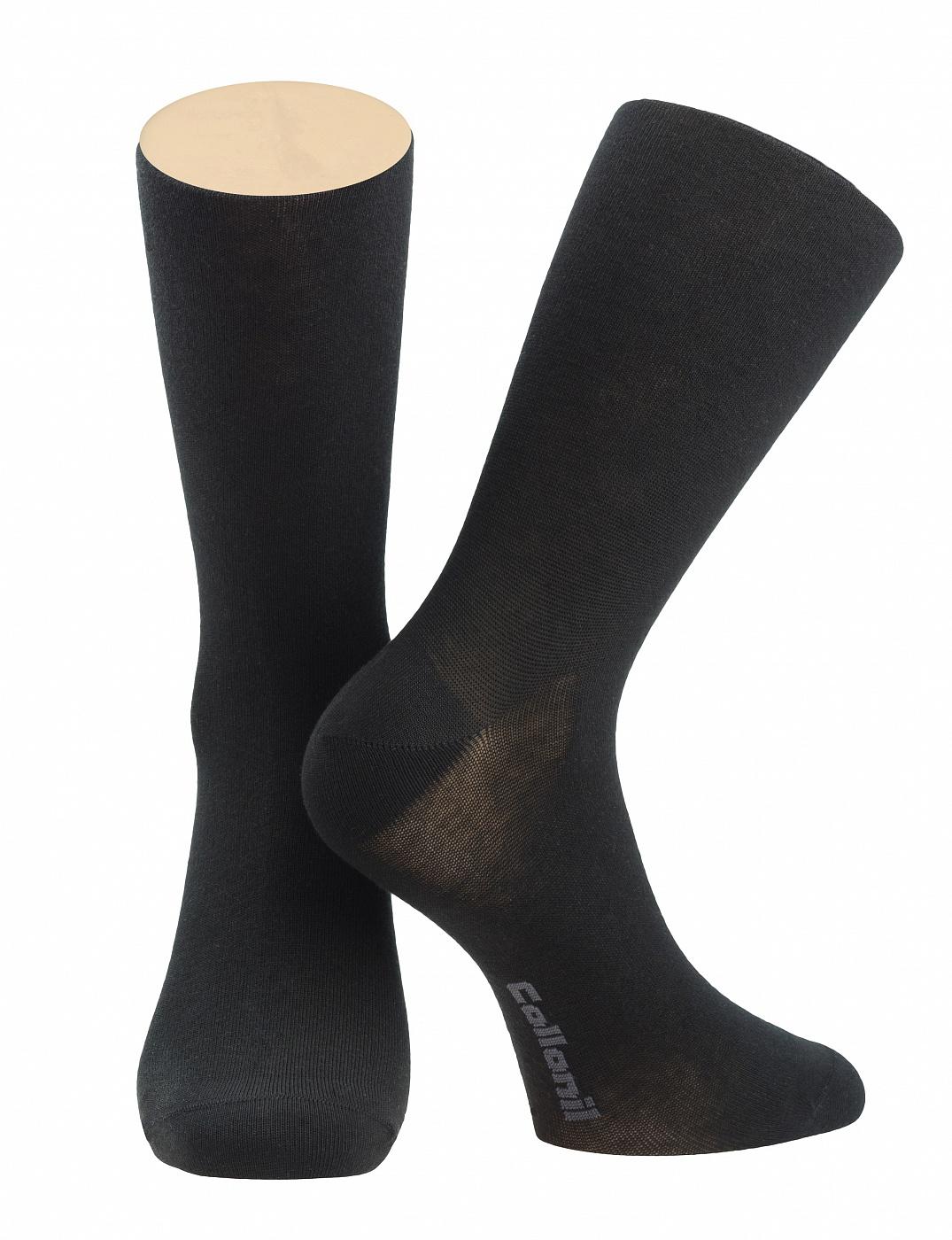 Носки мужские Collonil, цвет: черный. 2-07/01. Размер 44-462-07/01Мужские носки Collonil изготовлены из эластичного мерсеризованного хлопка.Носки с удлиненным паголенком. Широкая резинка не сдавливает и комфортно облегает ногу.