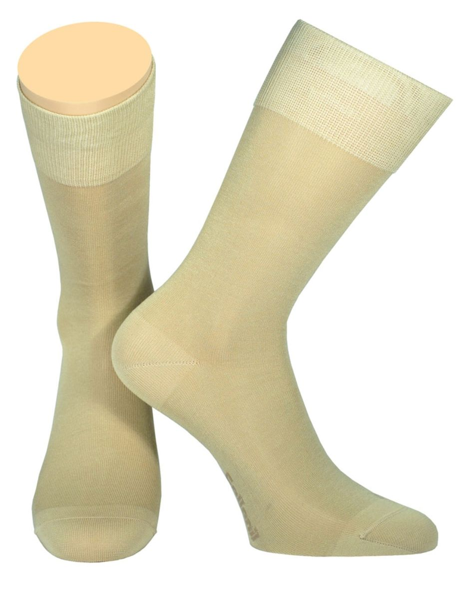 Носки мужские Collonil, цвет: бежевый. 2-19/04. Размер 39-412-19/04Мужские носки Collonil изготовлены из мерсеризованного хлопка с добавлением тактеля.Носки с удлиненным паголенком. Широкая резинка не сдавливает и комфортно облегает ногу.