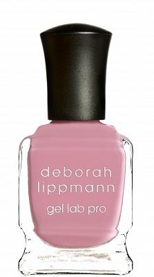 Deborah Lippmann лак для ногтей Beauty School Dropout, Gel Lab Pro Colors 15 мл20373Deborah Lippmann представляет летнюю коллекцию лаков Happy Days с обновленной инновационной Gel Lab PRO формулой. Запатентованная формула новых лаков обогащена десятью активными ингредиентами, которые обеспечивают здоровье Вашим ногтям, а маникюру - стойкость, яркий блеск и финиш, подобный гелевому маникюру. Лаки новой коллекции снабжены обновленной контурной кистью, круглый кончик которой позволяет максимально ровно прорисовать линию вокруг кутикулы, а 360 щетинок равномерно распределяют лак по всей ногтевой пластине, не оставляя разводов. Для здоровья ногтей: экстракт вечерней примулы, кератин, биотин, экстракт зеленого чая, экстракт Aucoumea Klaineana, натуральной смолы североафриканского дерева и запатентованный комплекс Nonychosine F, который придает ломким ногтям силу и выравнивает их поверхность. Для стойкости: платиновая пудра, эпоксидная смола Для блеска: шелковая фибра, плексигласс. Все лаки коллекции обеспечивают плотное покрытие уже после 1 слоя! Beauty School Dropout : оттенок розовой жвачки (текстура - крем)