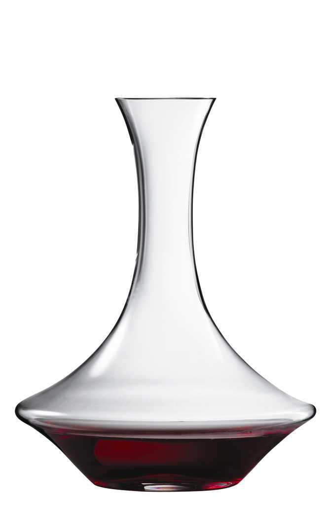 """Декантер Spiegelau """"Аутентис"""" представляет собой стеклянный графин особой  формы, без крышки. У него очень широкая нижняя часть и узкое горлышко - это  позволяет задерживать осадок. При переливании вина из бутылки в декантер,  напиток обогащается кислородом, что улучшает вкус вина и делает его  многогранным.  Декантер выполнен из специального стекла. В этом стекле содержится платина и  присутствует всего лишь 5% оксида свинца, намного меньше, чем в традиционном  хрустале - и это благотворно сказывается на вкусе напитка. Сосуд изящный,  тонкий, легкий и очень прочный, он выдерживает более тысячи циклов в  посудомоечной машине, не боится легких ударов и падений с небольшой высоты.  Его характерный благородный блеск не подвластен времени. Благодаря превосходным характеристикам и высокому статусу ведущие  рестораны мира отдают предпочтение немецкой марке Spiegelau (Шпигелау)."""