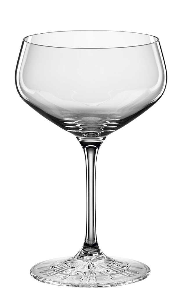 """Набор Spiegelau """"Perfect Cocktail Glass"""" включает 4 бокала для шампанского. Бокалы выполнены из специального стекла. В этом стекле содержится платина и присутствует всего лишь 5% оксида свинца, намного меньше, чем в традиционном хрустале - и это благотворно сказывается на вкусе напитка. Бокалы изящные, тонкие, легкие и очень прочные, они выдерживают более тысячи циклов в посудомоечной машине, не боятся легких ударов и падений с небольшой высоты. Их характерный благородный блеск не подвластен времени. Благодаря превосходным характеристикам и высокому статусу ведущие рестораны мира отдают предпочтение немецкой марке Spiegelau (Шпигелау).  Диаметр по верхнему краю: 9,1 см.  Высота бокала: 14 см."""