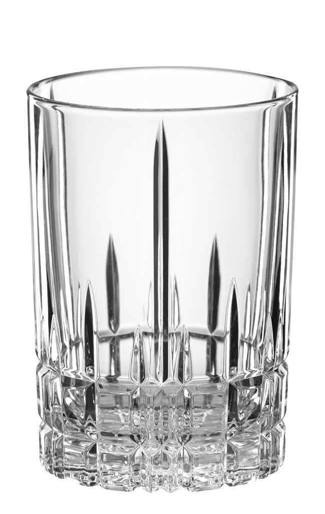 Набор стаканов для воды/коктейлей Spiegelau Perfect Cocktail Glass, 240 мл, 4 шт4500172Набор Spiegelau Perfect Cocktail Glass включает 4 стакана для воды или коктейлей. Стаканы выполнены из специального стекла. В этом стекле содержится платина и присутствует всего лишь 5% оксида свинца, намного меньше, чем в традиционном хрустале - и это благотворно сказывается на вкусе напитка. Стаканы изящные, тонкие, легкие и очень прочные, они выдерживают более тысячи циклов в посудомоечной машине, не боятся легких ударов и падений с небольшой высоты. Их характерный благородный блеск не подвластен времени.Благодаря превосходным характеристикам и высокому статусу ведущие рестораны мира отдают предпочтение немецкой марке Spiegelau (Шпигелау). Диаметр по верхнему краю: 7,2 см. Высота стакана: 10 см.