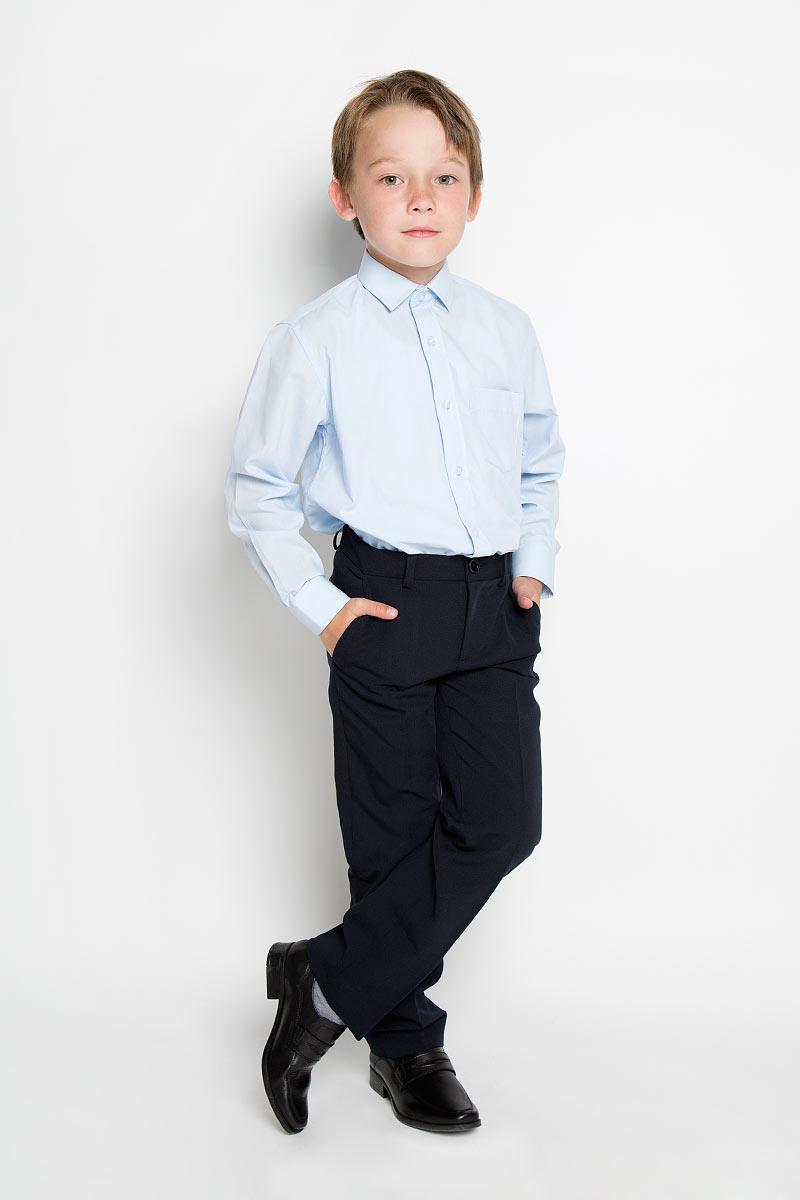 Рубашка для мальчика Tsarevich, цвет: голубой. 1274. Размер 33/146-152, 9-11 лет1274Стильная рубашка для мальчика Tsarevich идеально подойдет вашему юному мужчине. Изготовленная из хлопка с добавлением полиэстера, она мягкая и приятная на ощупь, не сковывает движения и позволяет коже дышать, не раздражает даже самую нежную и чувствительную кожу ребенка, обеспечивая ему наибольший комфорт. Однотонная рубашка классического кроя с длинными рукавами и отложным воротничком застегивается по всей длине на пуговицы. На груди она дополнена накладным карманом. Края рукавов дополнены широкими манжетами на пуговицах. Низ изделия немного закруглен к боковым швам.Такая рубашка будет прекрасно смотреться с брюками и джинсами. Она станет неотъемлемой частью детского гардероба.