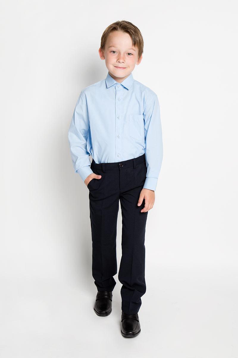 Рубашка для мальчика Tsarevich, цвет: голубой. PT967. Размер 30/122-128, 7-8 летPT967Стильная рубашка для мальчика Tsarevich идеально подойдет вашему юному мужчине. Изготовленная из хлопка с добавлением полиэстера, она мягкая и приятная на ощупь, не сковывает движения и позволяет коже дышать, не раздражает даже самую нежную и чувствительную кожу ребенка, обеспечивая ему наибольший комфорт. Однотонная рубашка классического кроя с длинными рукавами и отложным воротничком застегивается по всей длине на пуговицы. На груди она дополнена накладным карманом. Края рукавов дополнены широкими манжетами на пуговицах. Низ изделия немного закруглен к боковым швам.Такая рубашка будет прекрасно смотреться с брюками и джинсами. Она станет неотъемлемой частью детского гардероба.
