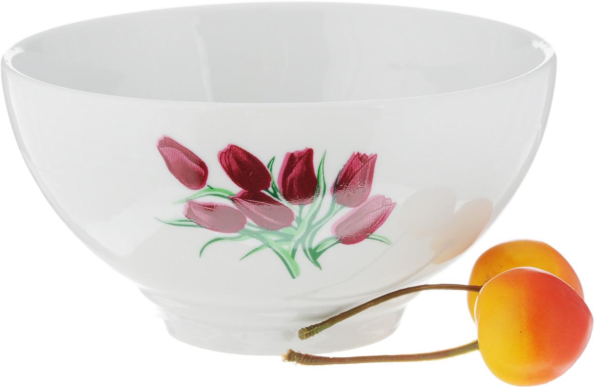 Пиала Фарфор Вербилок Тюльпаны, 360 мл39070980Пиала Фарфор Вербилок Тюльпаны изготовлена из высококачественного фарфора. Внешняя стенка оформлена красочным изображением тюлпанов. Из такой пиалы очень удобно пить чай, устроившись на мягких подушках, а также в них можно хранить орехи или изюм, наполнять их ароматным вареньем или медом. Благодаря изысканному дизайну такая пиала станет бесспорным украшением вашего стола. Она дополнит коллекцию кухонной посуды и будет служить долгие годы. Диаметр пиалы по верхнему краю: 12,5 см. Диаметр основания: 5,5 см.Высота пиалы: 6,5 см.