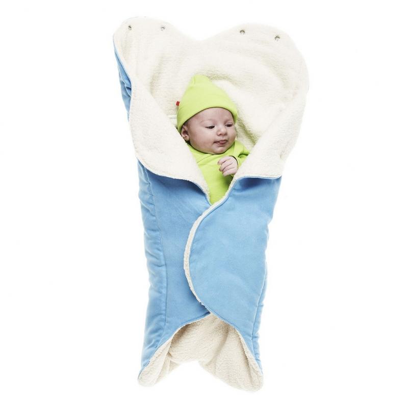 Конверт-лепесток для новорожденного Wallaboo, цвет: голубой. WW.0809.1106. Размер 0месWW.0809.1106Конверт-лепесток для новорожденного Wallaboo выполнен из высококачественной искусственной замши иимеет подкладку из искусственного меха на основе полиэстера. Наполнитель - синтепон. Он подойдет для малышей с самого рождения. Конверт легко раскладывается, благодаря чему его можно использовать в качестве одеяла или даже коврика для игр.Верхняя часть конверта бережно обхватывает голову малыша и надежно сохраняет тепло. В нижней части конверта располагается кармашек для ног. Липучки и кнопки позволяют быстро зафиксировать конверт и обеспечивают надежное облегание, которое не ограничивает движения малыша и подарит ему чувство комфорта и защищенности. Такой конверт подойдет для большинства колясок и детских сидений.