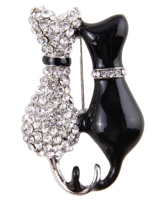 Брошь Встреча. Бижутерный сплав, кристаллы, эмаль39894|Брошь-камеяБрошь Встреча. Бижутерный сплав, кристаллы, эмаль. Корея, конец ХХ века. Размер броши 3 х 4,5 см. Сохранность хорошая. Предмет не был в использовании.Очаровательная брошь украсит повседневную одежду! Это оригинальное украшение идеально дополнит образ, привлекая к вам множество взглядов Сюжетная брошь для ценителей украшений такого рода.