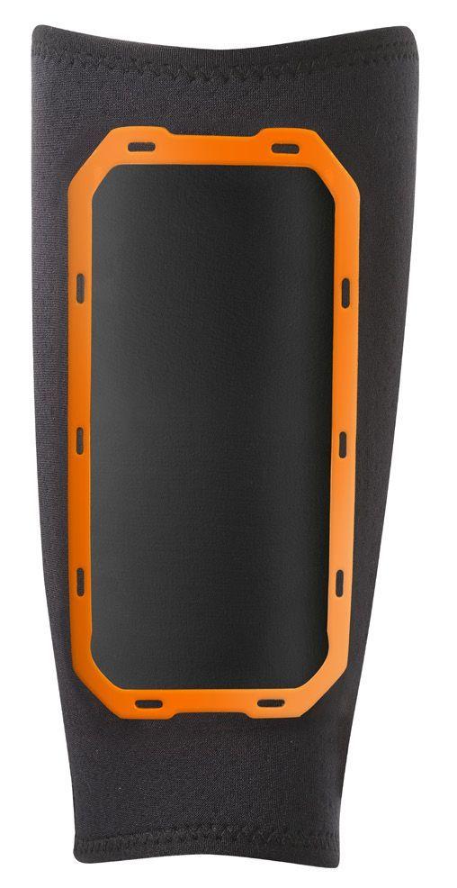Нарукавник Nike для занятий спортом, цвет: черный, оранжевый. Размер L/XLN.ER.24.005.LXНарукавник Nike выполнен из высококачественного материала. Вентилируемая сетчатая ткань сзади обеспечивает воздушную регуляцию, а неопрен спереди надежно удерживает устройство. Подходит для всех основных типов смартфонов. Водоотталкивающий слой в кармане для устройства. Легкий доступ во время тренировок.