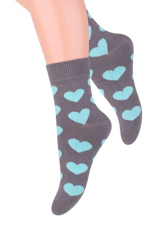 Носки для девочки Steven, цвет: темно-серый, бирюзовый. 014 (DM207). Размер 26/28, 4-5 лет014 (DO207)/014 (DN207)/014 (DM207)Хлопковые носки для девочки Stevenотлично подойдут для повседневной носки.Изделие оформлено рисунком в виде сердечек, по всему паголенку и мысу.Они изготовлены из высококачественного материала, очень мягкие на ощупь, не раздражают даже самую нежную и чувствительную кожу. Такие носки послужат замечательным дополнением к детскому гардеробу!