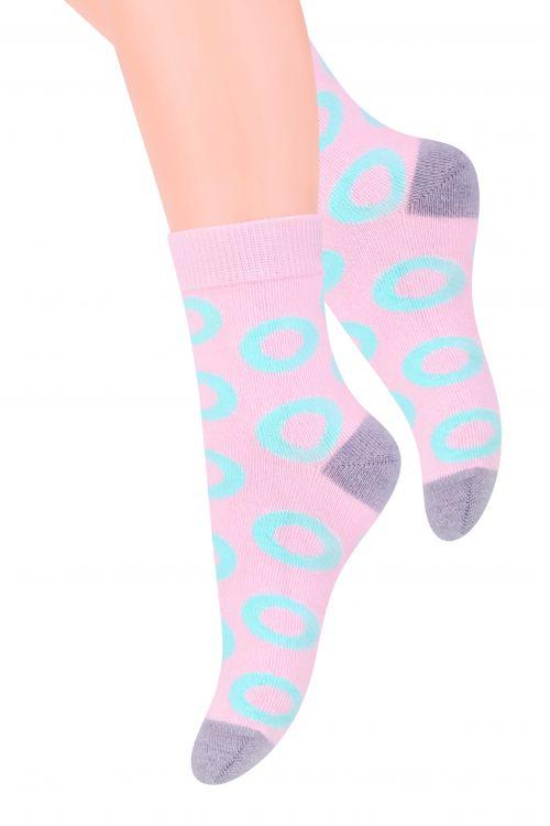 Носки для девочки Steven, цвет: розовый, мятный. 014 (DO215). Размер 32/34, 7-9 лет014 (DO215)Хлопковые носки для девочки Stevenотлично подойдут для повседневной носки.Изделие оформлено абстрактным рисунком в виде колечек, по всему паголенку и мысу.Они изготовлены из высококачественного материала, очень мягкие на ощупь, не раздражают даже самую нежную и чувствительную кожу. Такие носки послужат замечательным дополнением к детскому гардеробу!