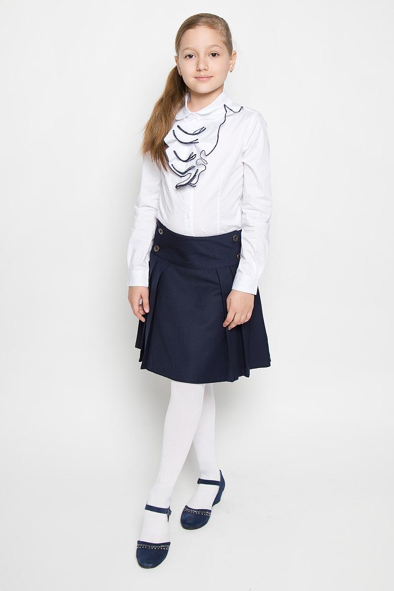 Блузка для девочки Nota Bene, цвет: белый. AW15GS271B-1. Размер 158AW15GS271A-1/AW15GS271B-1Блузка для девочки Nota Bene, выполненная из эластичного хлопка, станет отличным дополнением к школьному гардеробу. Изделие не сковывает движения и хорошо пропускает воздух, обеспечивая наибольший комфорт. Блузка с отложным воротником и длинными рукавами застегивается на пуговицы по всей длине. Спереди модель украшена жабо с контрастной окантовкой. На рукавах предусмотрены манжеты с застежками-пуговицами. Блузка отлично сочетается с юбками и брюками. В ней вашей принцессе всегда будет уютно и комфортно!