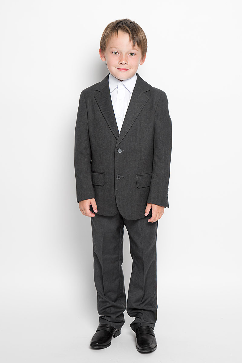 Пиджак для мальчика Scool, цвет: темно-серый. 363020. Размер 152, 12 лет363020Стильный пиджак для мальчика Scool станет отличным дополнением к школьному гардеробу в прохладные дни. Изготовленный из высококачественного материала, он необычайно мягкий и приятный на ощупь, не сковывает движения и позволяет коже дышать, не раздражает нежную кожу ребенка, обеспечивая ему наибольший комфорт.Пиджак с воротничком с лацканами застегивается на пластиковые пуговички. Низ рукавов дополнен декоративными пуговицами. Спереди пиджак оформлен двумя прорезными карманами с клапанами в нижней части и небольшим прорезным кармашком на груди. С внутренней стороны находятся два прорезных кармана, один из которых застегивается на пуговицу. Сзади предусмотрена шлица. В таком пиджачке ваш маленький мужчина будет чувствовать себя комфортно, уютно и всегда будет в центре внимания!