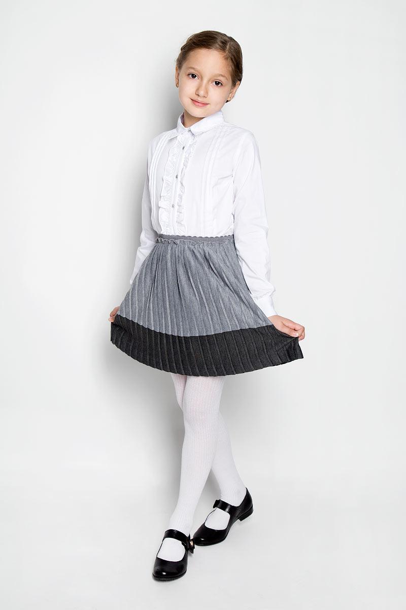 Юбка для девочки Scool, цвет: серый. 364059. Размер 128, 8 лет364059Очаровательная юбка для девочки Scool идеально подойдет вашей маленькой моднице и станет отличным дополнением к детскому гардеробу. Изготовленная из 100% полиэстерана с подкладкой, она мягкая и приятная на ощупь, не сковывает движения и позволяет коже дышать, не раздражает нежную кожу ребенка, обеспечивая ему наибольший комфорт. Плиссированная юбочка на талии имеет широкую эластичную резинку, не сдавливающую живот ребенка. Модель оформлена многочисленными мелкими складками. В такой юбочке ваша модница будет чувствовать себя комфортно, уютно и всегда будет в центре внимания!